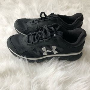 Youth Under Armour Tennis Shoes sneakers black